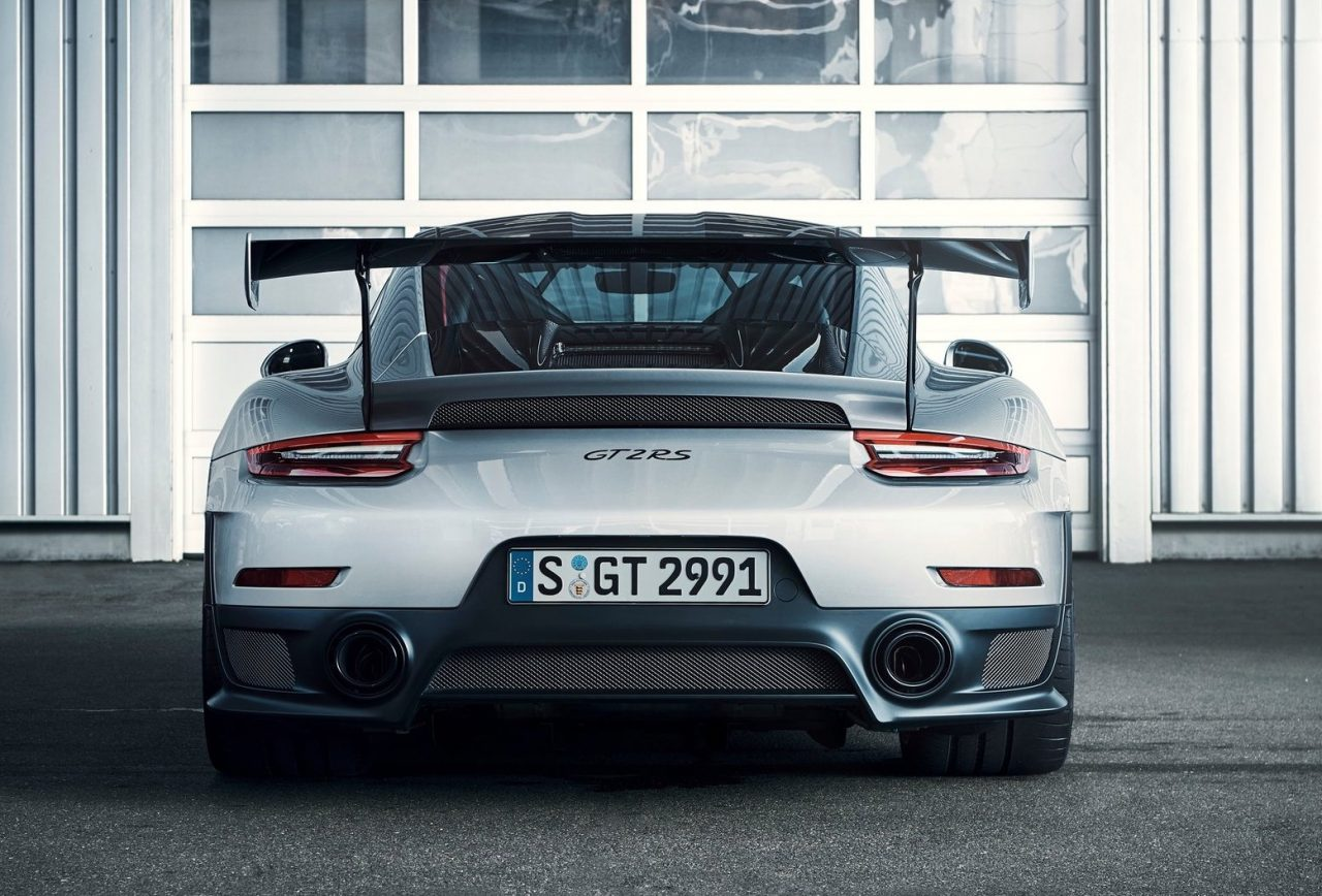 porsche 911 gt2 rs revealed as most powerful 911 ever performancedrive. Black Bedroom Furniture Sets. Home Design Ideas