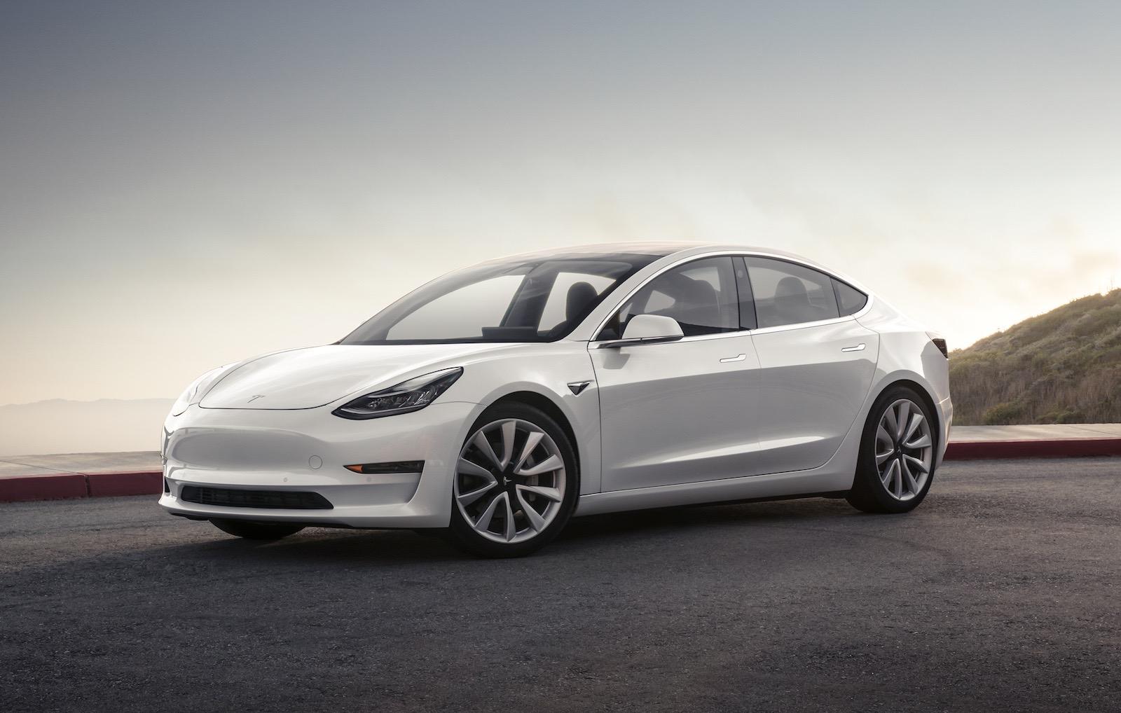 First Tesla Model 3 deliveries commence, full specs ...