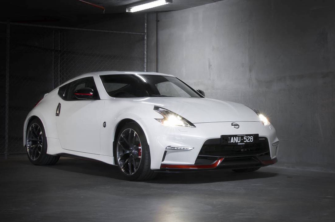 nissan 370z nismo on sale in australia from 61 490 performancedrive. Black Bedroom Furniture Sets. Home Design Ideas