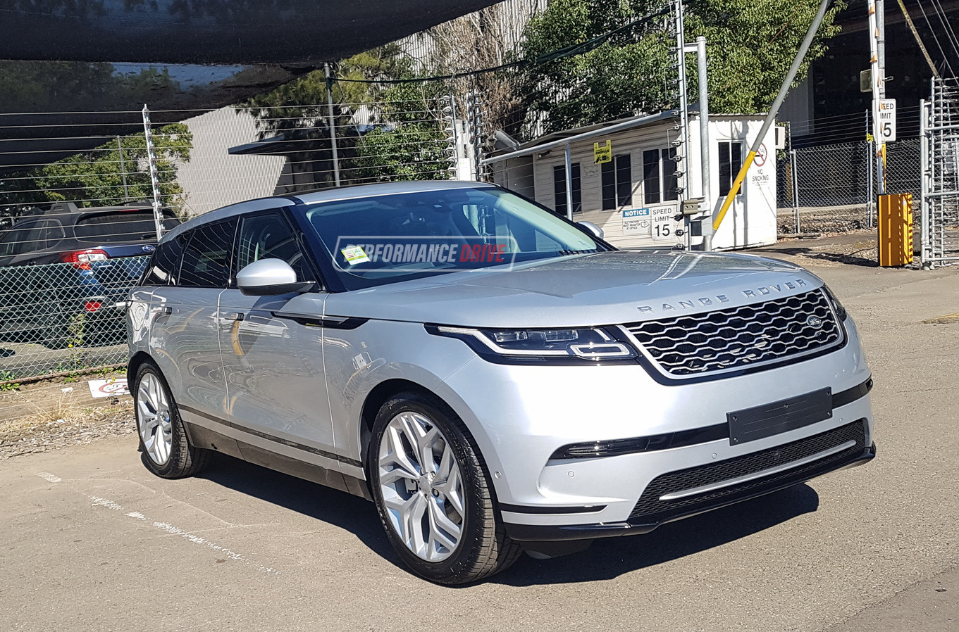 range rover velar spotted in australia again d240 d300. Black Bedroom Furniture Sets. Home Design Ideas