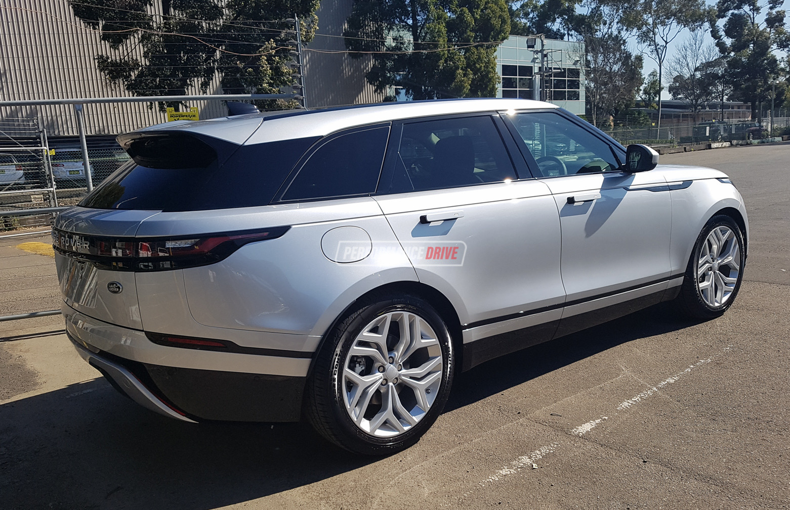 range rover velar spotted in australia again d240 d300 variants performancedrive. Black Bedroom Furniture Sets. Home Design Ideas