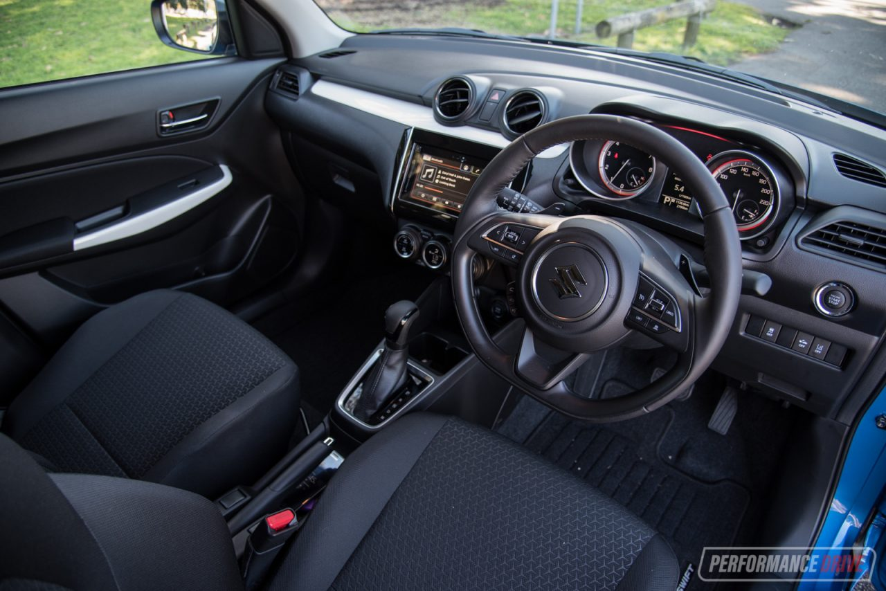 2017 suzuki swift glx turbo review video performancedrive. Black Bedroom Furniture Sets. Home Design Ideas