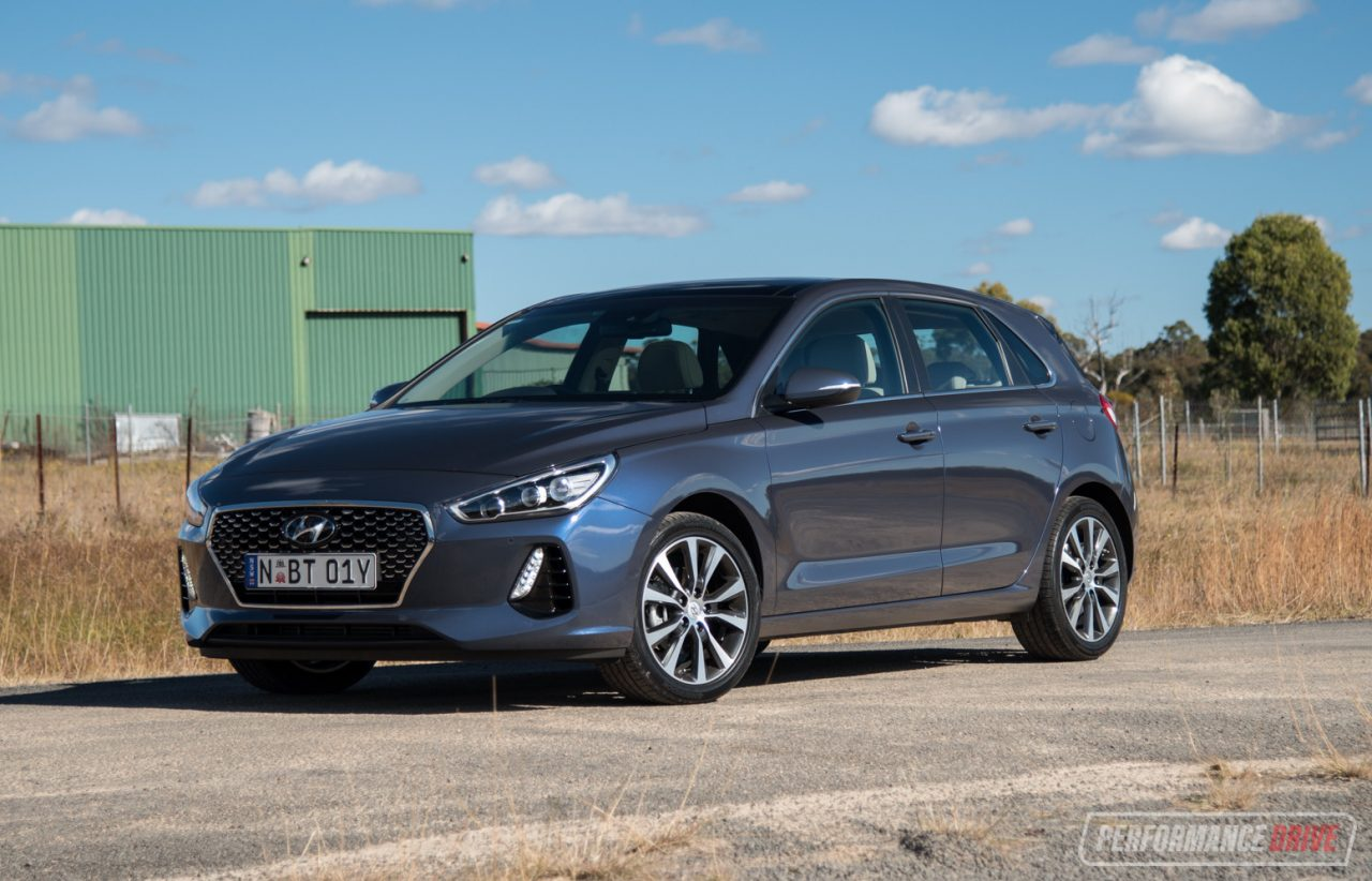 2018 hyundai i30 premium diesel review video performancedrive. Black Bedroom Furniture Sets. Home Design Ideas
