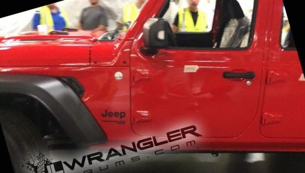 2018 Jeep Wrangler spied in factory, retains boxy design