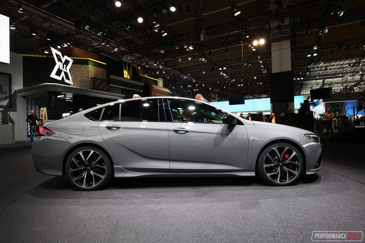 2018 holden commodore vxr shows off sporty design at frankfurt performancedrive. Black Bedroom Furniture Sets. Home Design Ideas