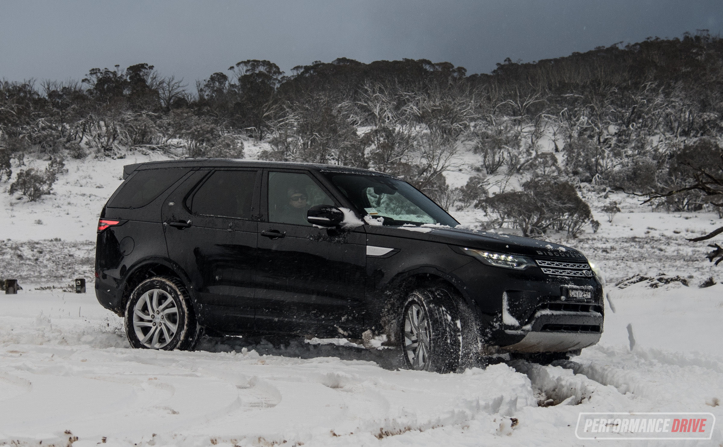 http://performancedrive.com.au/wp-content/uploads/2017/09/2017-Land-Rover-Discovery-HSE-Sd4-snow-mode.jpg