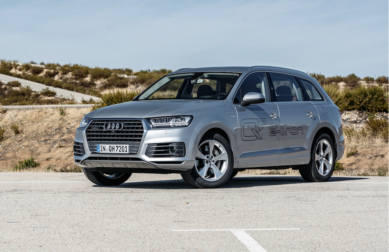 2018 audi electric suv. beautiful audi audi australia has confirmed the 2018 q7 etron plugin hybrid large suv  will go on sale in january next year bringing some of brandu0027s le  inside audi electric suv