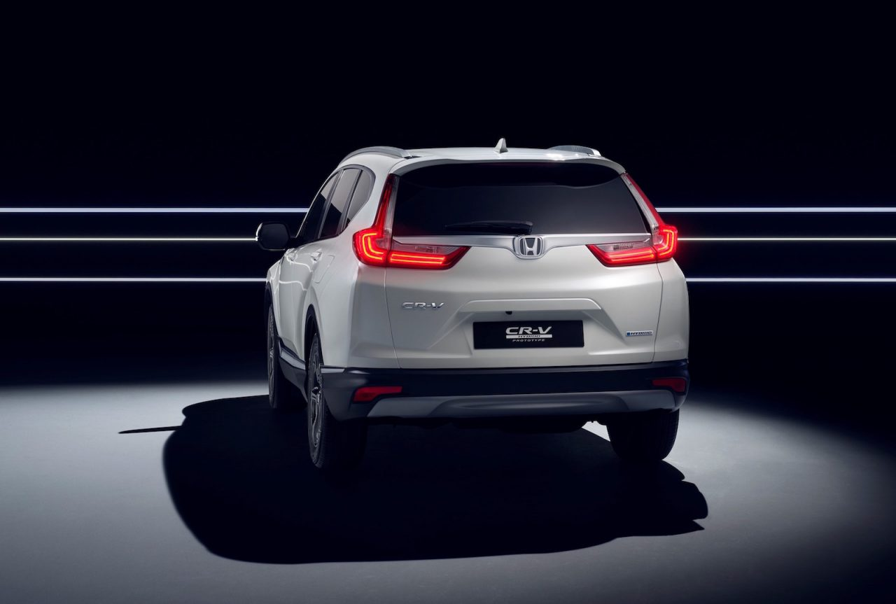 honda cr v hybrid prototype revealed on sale in europe next year performancedrive. Black Bedroom Furniture Sets. Home Design Ideas