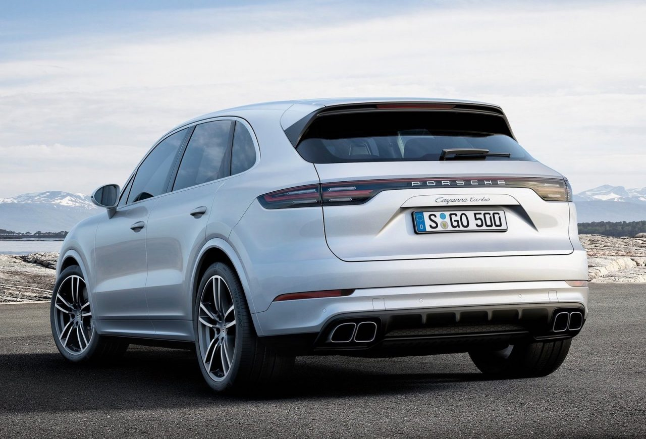2018 porsche cayenne turbo unveiled at frankfurt show performancedrive. Black Bedroom Furniture Sets. Home Design Ideas