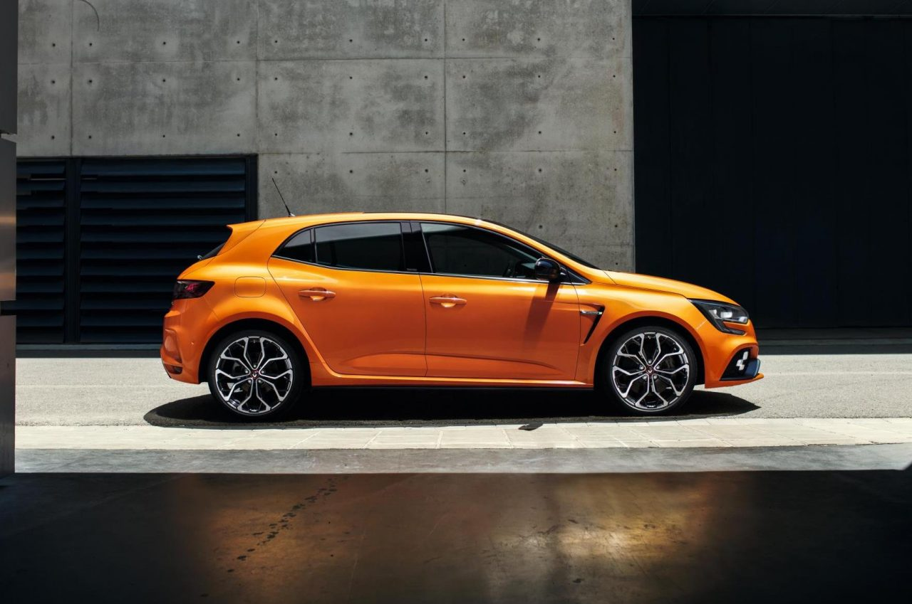2018 renault megane r s revealed with potent 1 8t performancedrive. Black Bedroom Furniture Sets. Home Design Ideas
