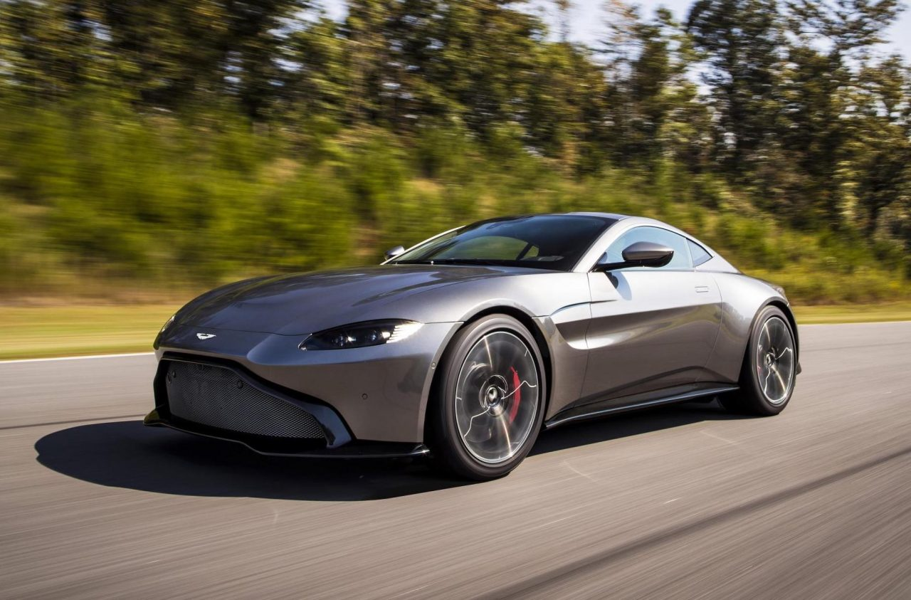 all new aston martin vantage debuts with twin turbo v8 performancedrive. Black Bedroom Furniture Sets. Home Design Ideas