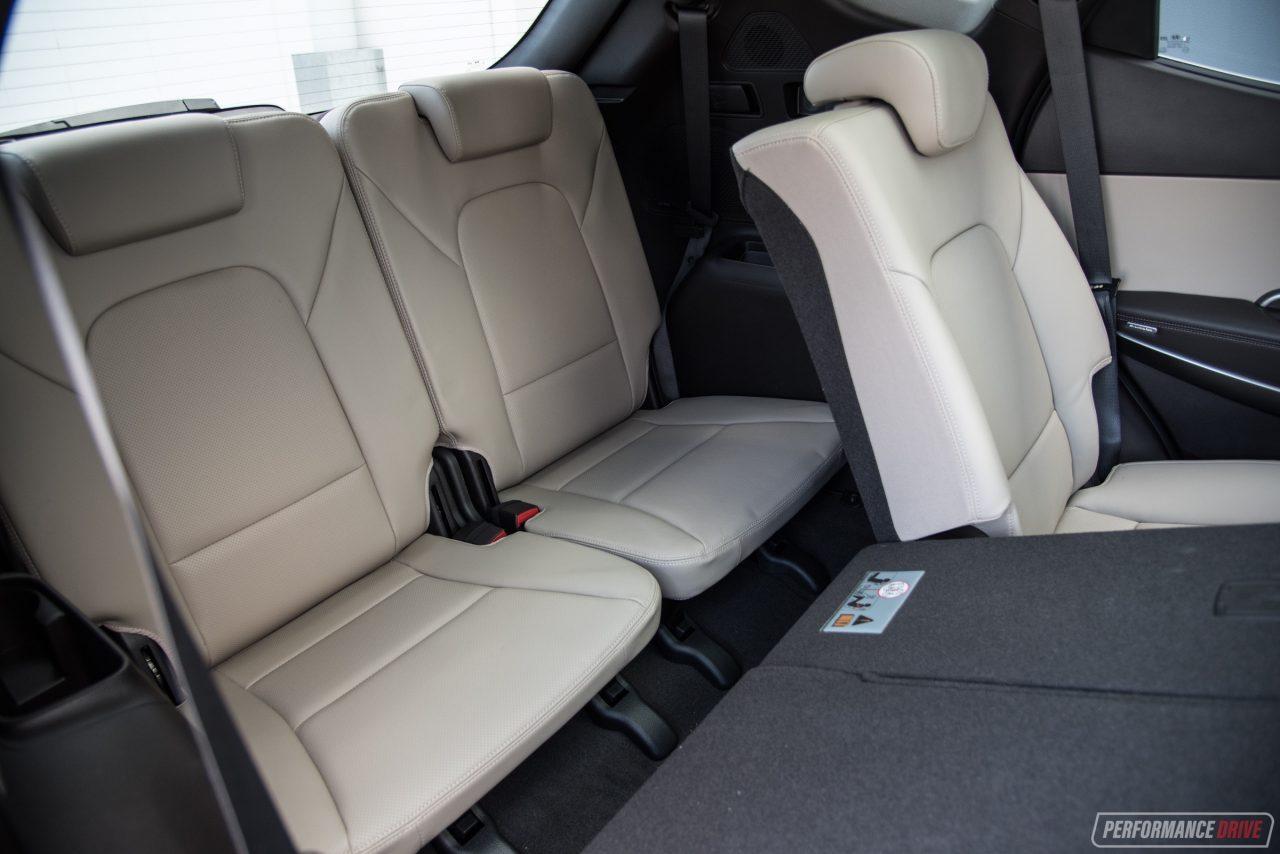 2018 hyundai santa fe vs nissan pathfinder 7 seat suv comparison performancedrive. Black Bedroom Furniture Sets. Home Design Ideas