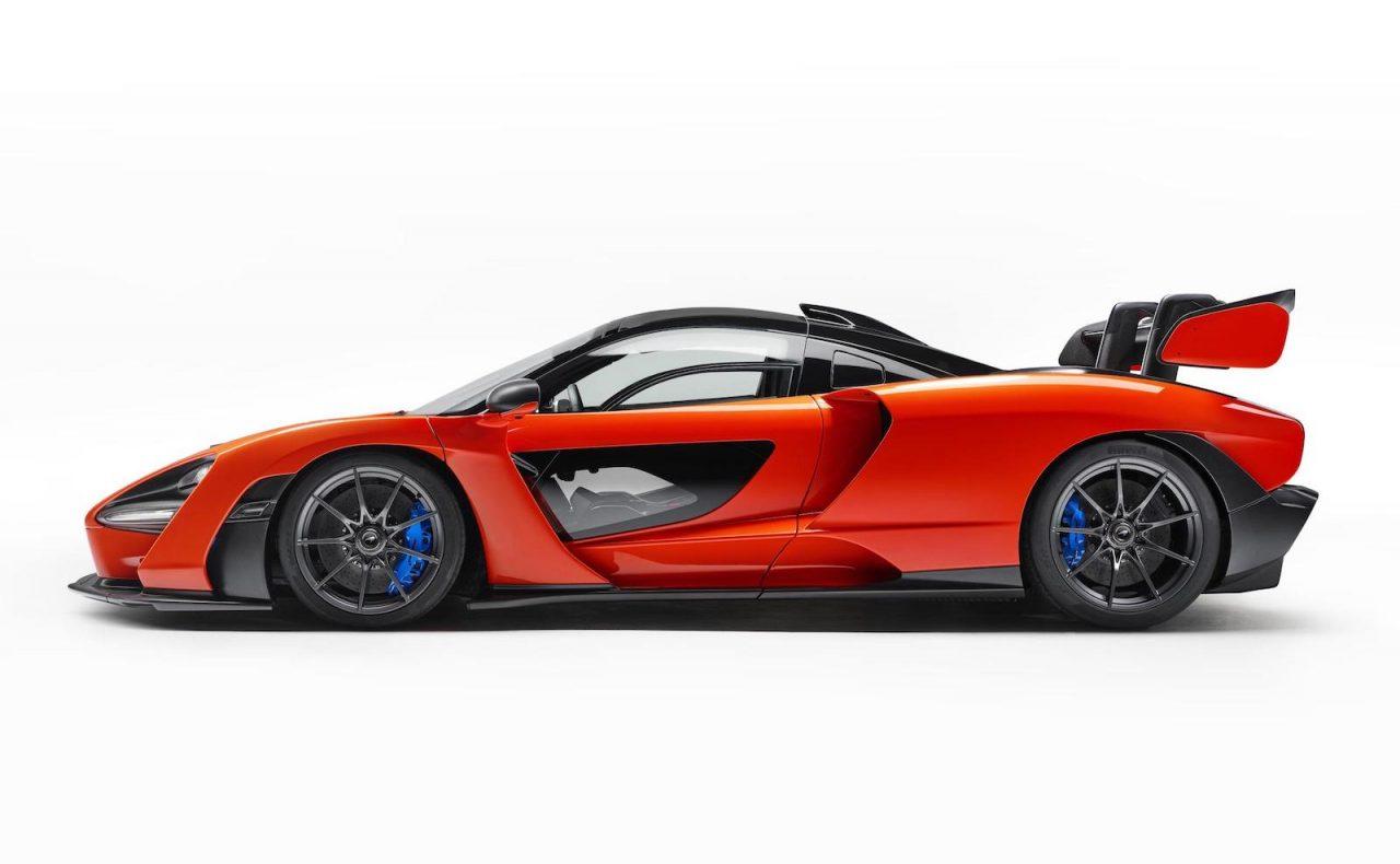 mclaren senna revealed as ultimate road legal track car performancedrive. Black Bedroom Furniture Sets. Home Design Ideas
