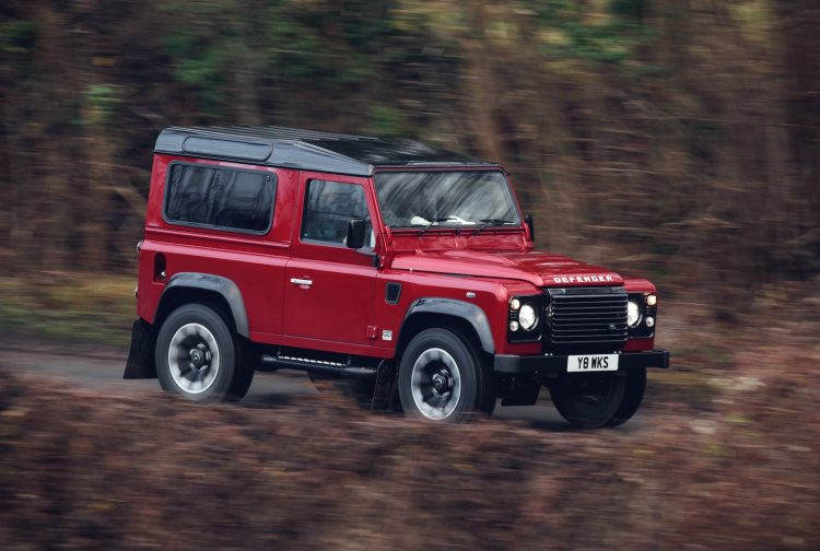 Land Rover Defender lives again