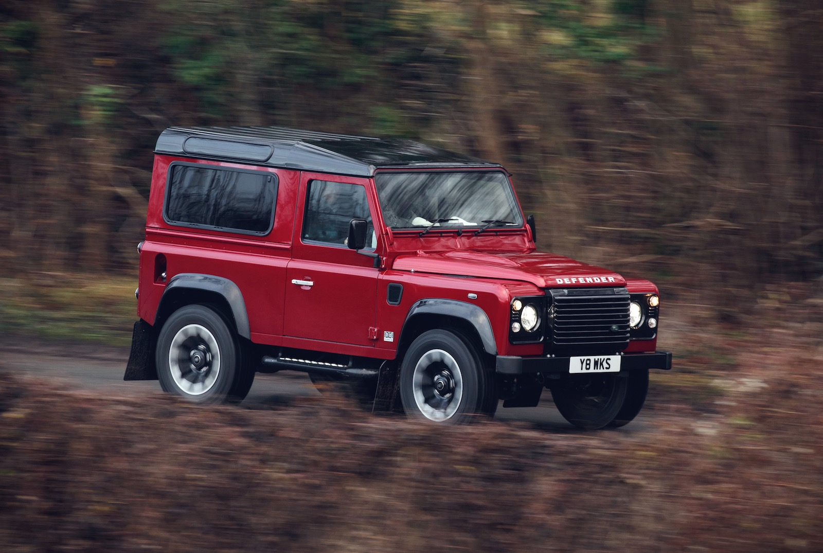 2018 land rover defender works v8 special edition announced performancedrive. Black Bedroom Furniture Sets. Home Design Ideas