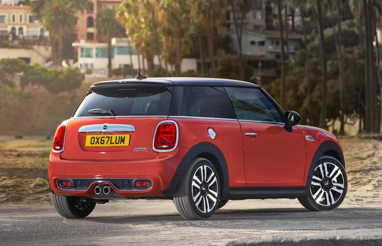 2018 mini revealed with added tech new 7spd dual clutch. Black Bedroom Furniture Sets. Home Design Ideas