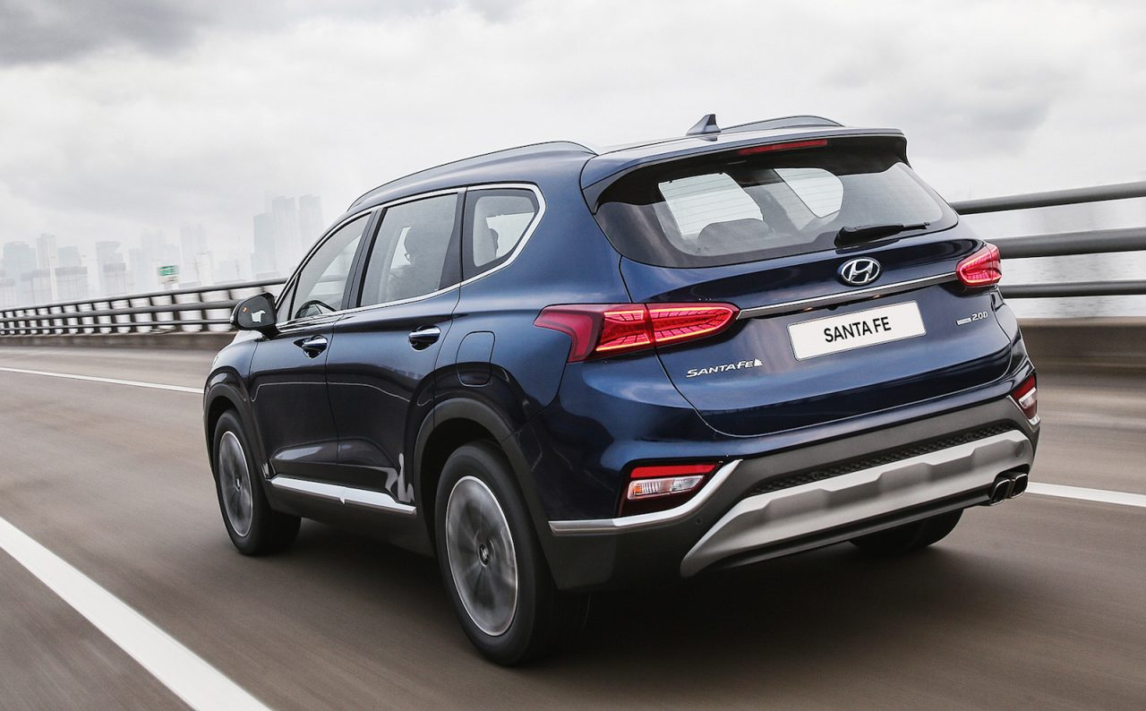 2019 hyundai santa fe unveiled gets new 8 spd auto performancedrive. Black Bedroom Furniture Sets. Home Design Ideas