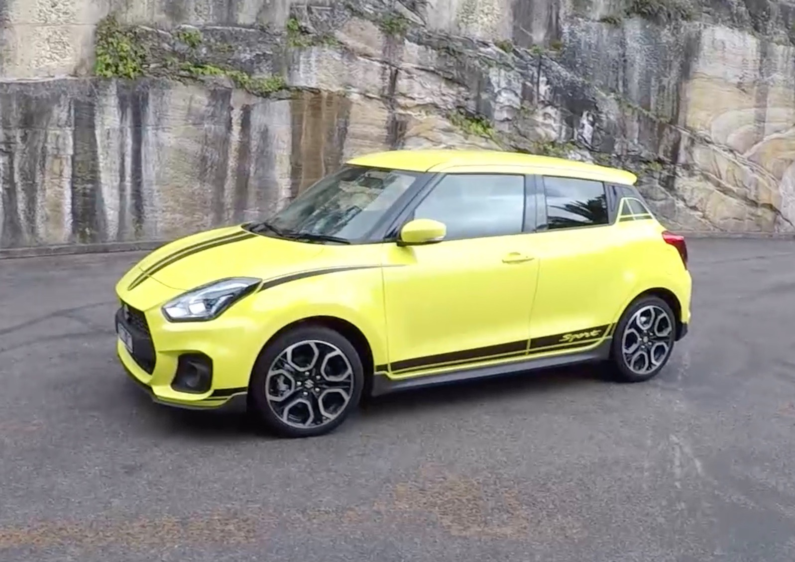 2018 suzuki swift sport pov review first impressions video performancedrive. Black Bedroom Furniture Sets. Home Design Ideas