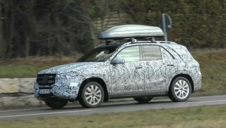 2019 Mercedes-Benz GLE spotted with less camouflage (video)
