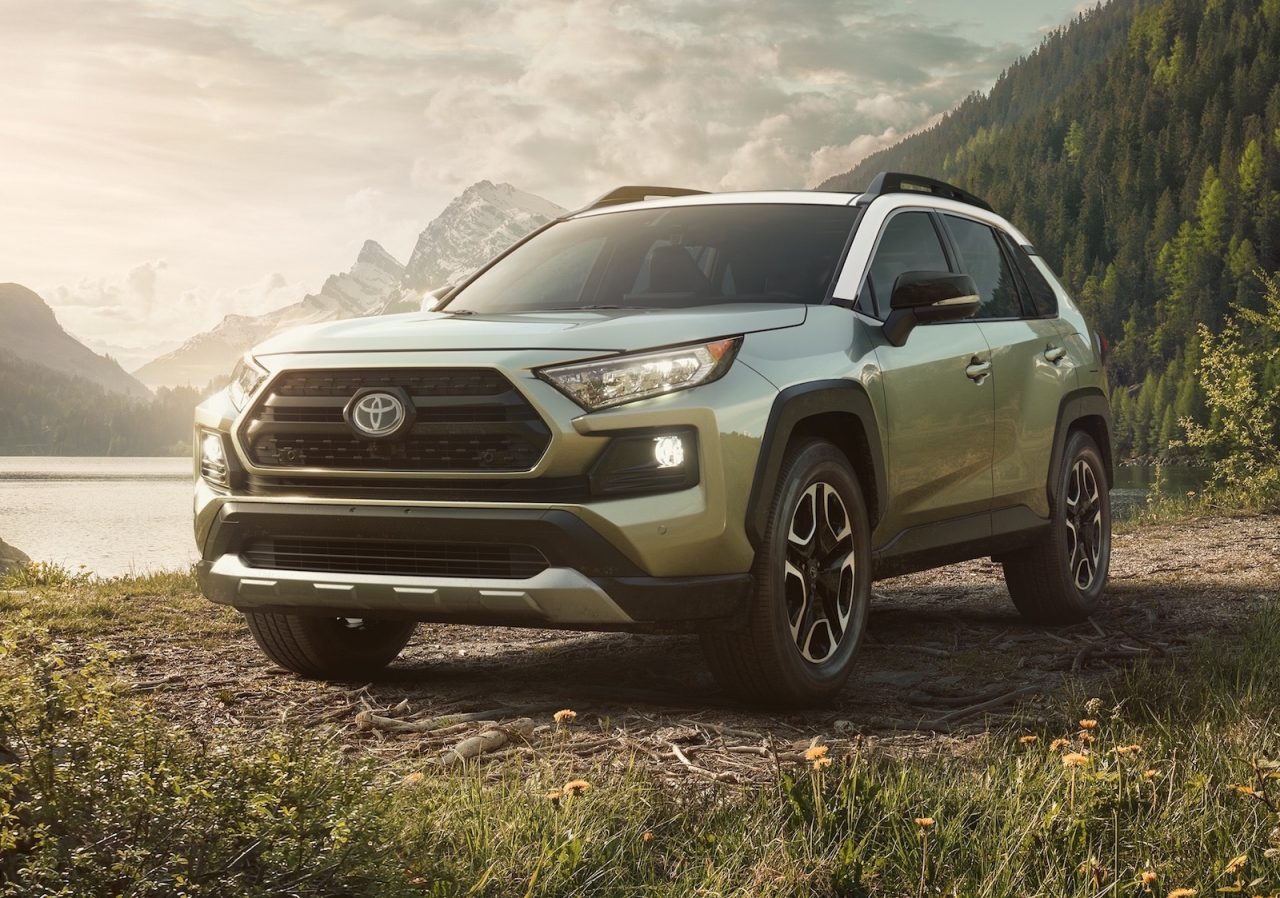 2019 toyota rav4 gets tough new look debuts at new york show performancedrive. Black Bedroom Furniture Sets. Home Design Ideas