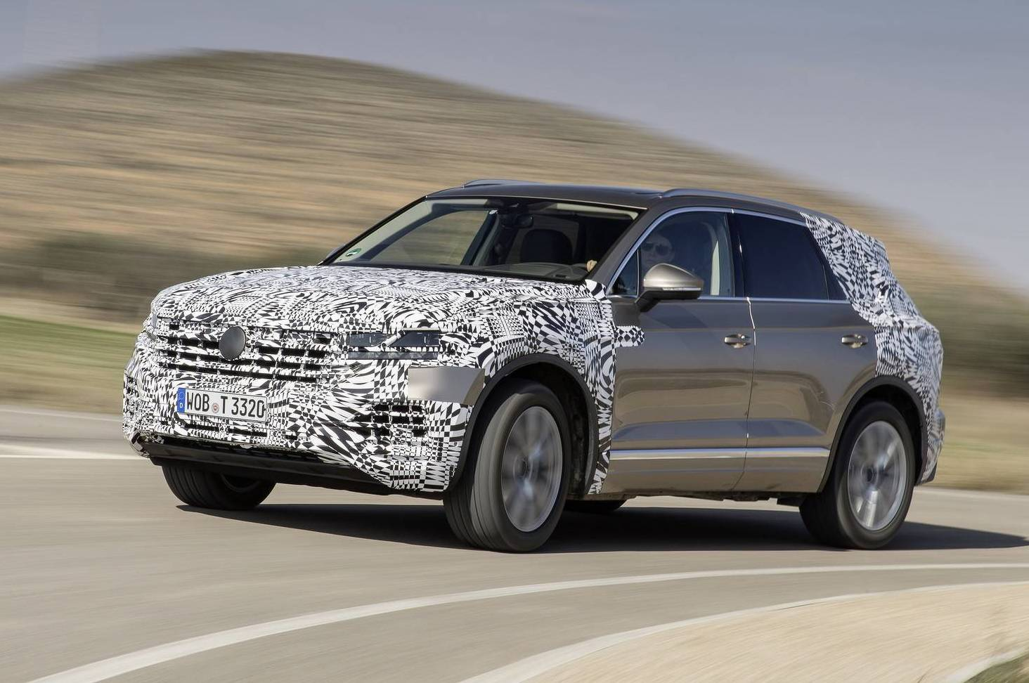 2019 volkswagen touareg previewed interior revealed video performancedrive. Black Bedroom Furniture Sets. Home Design Ideas