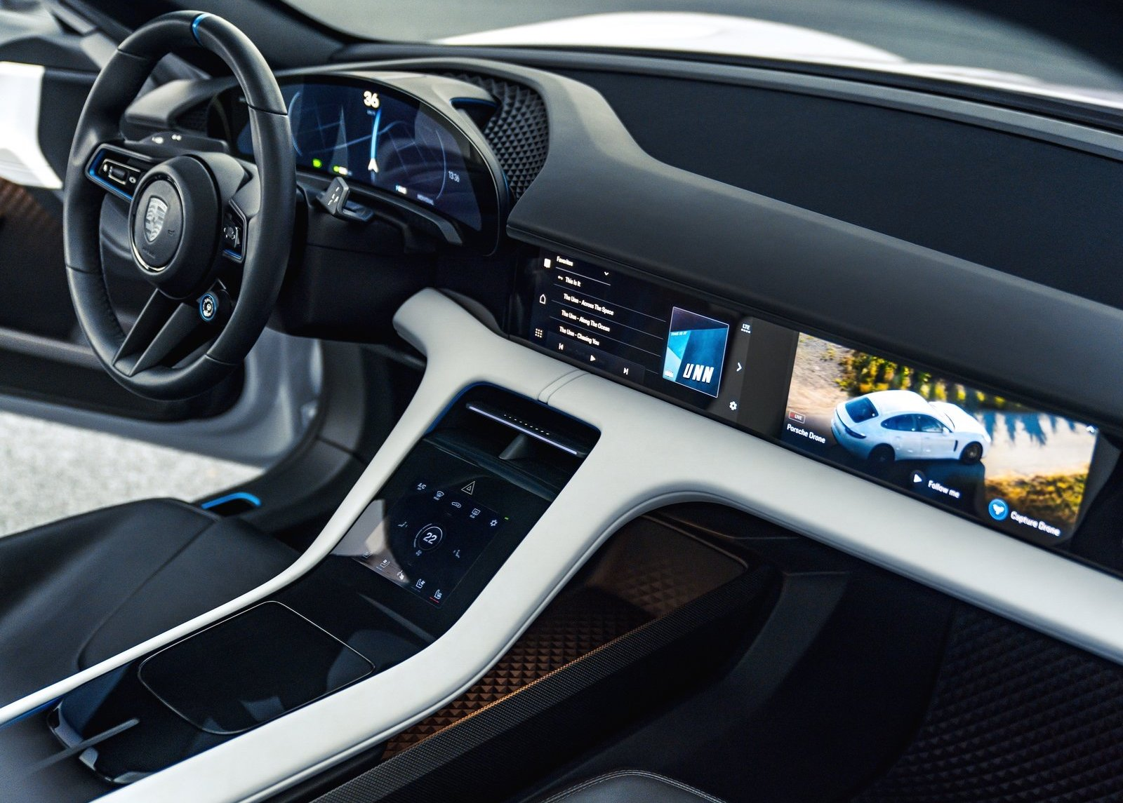Porsche Mission E Cross Turismo Concept Interior