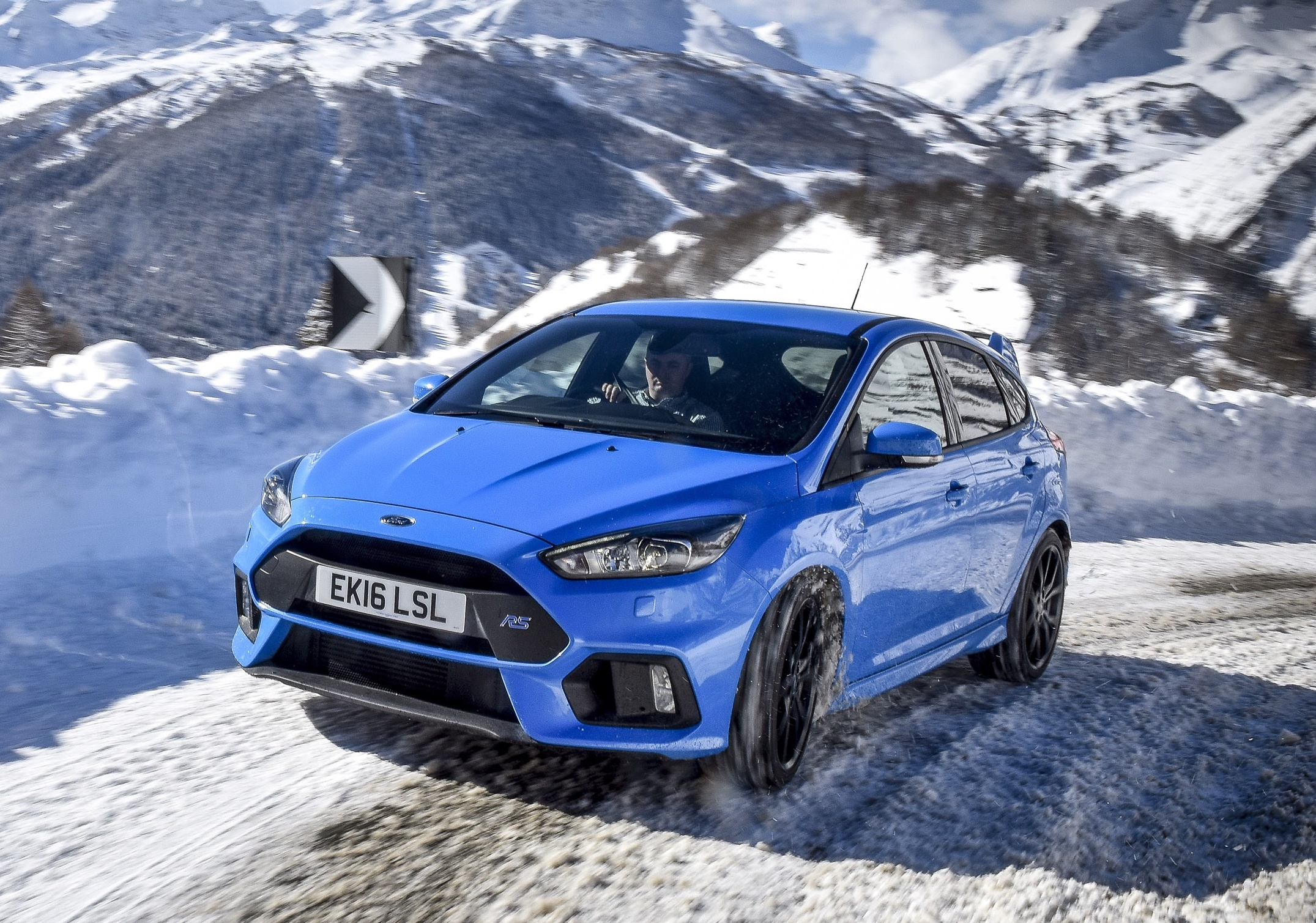 next ford focus rs to come with hybrid powertrain report performancedrive. Black Bedroom Furniture Sets. Home Design Ideas