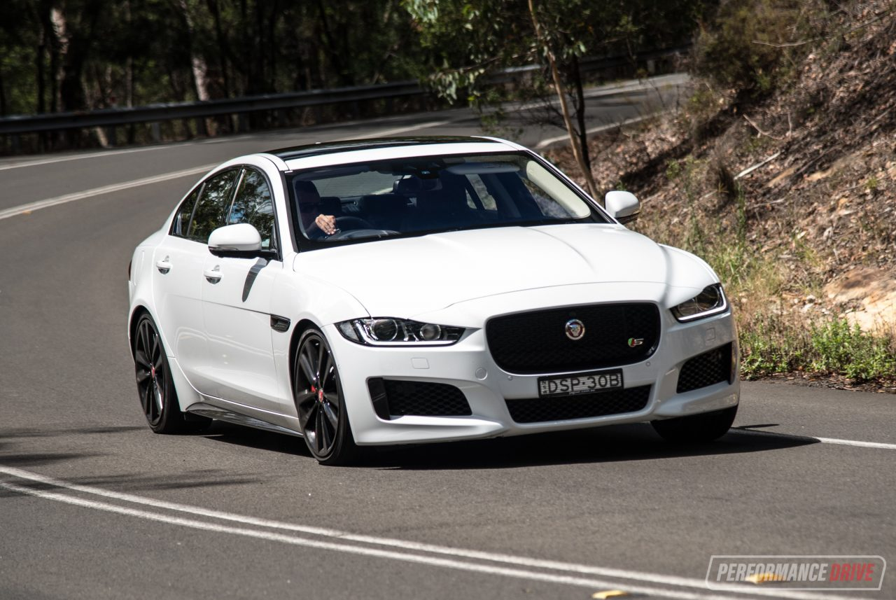 2018 jaguar xe s review video performancedrive. Black Bedroom Furniture Sets. Home Design Ideas