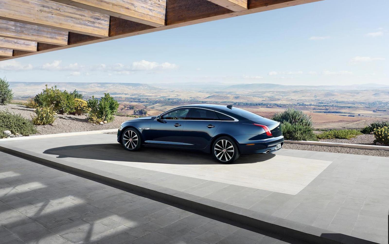 jaguar xj50 special edition celebrates 50 years of xj. Black Bedroom Furniture Sets. Home Design Ideas