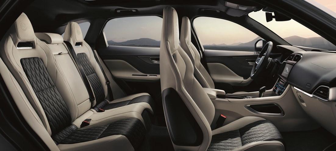 Jaguar F-PACE SVR-interior |