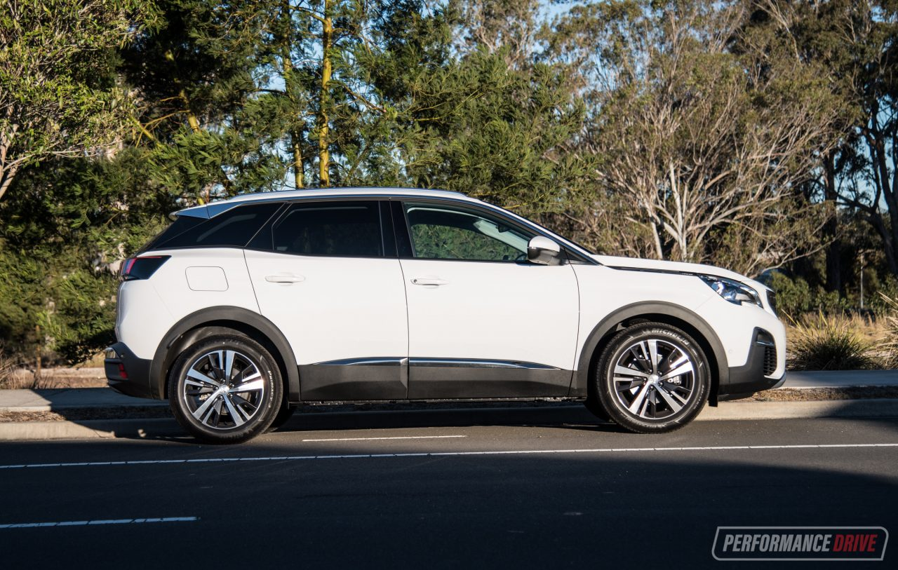 2018 Peugeot 3008 Allure Review (video)