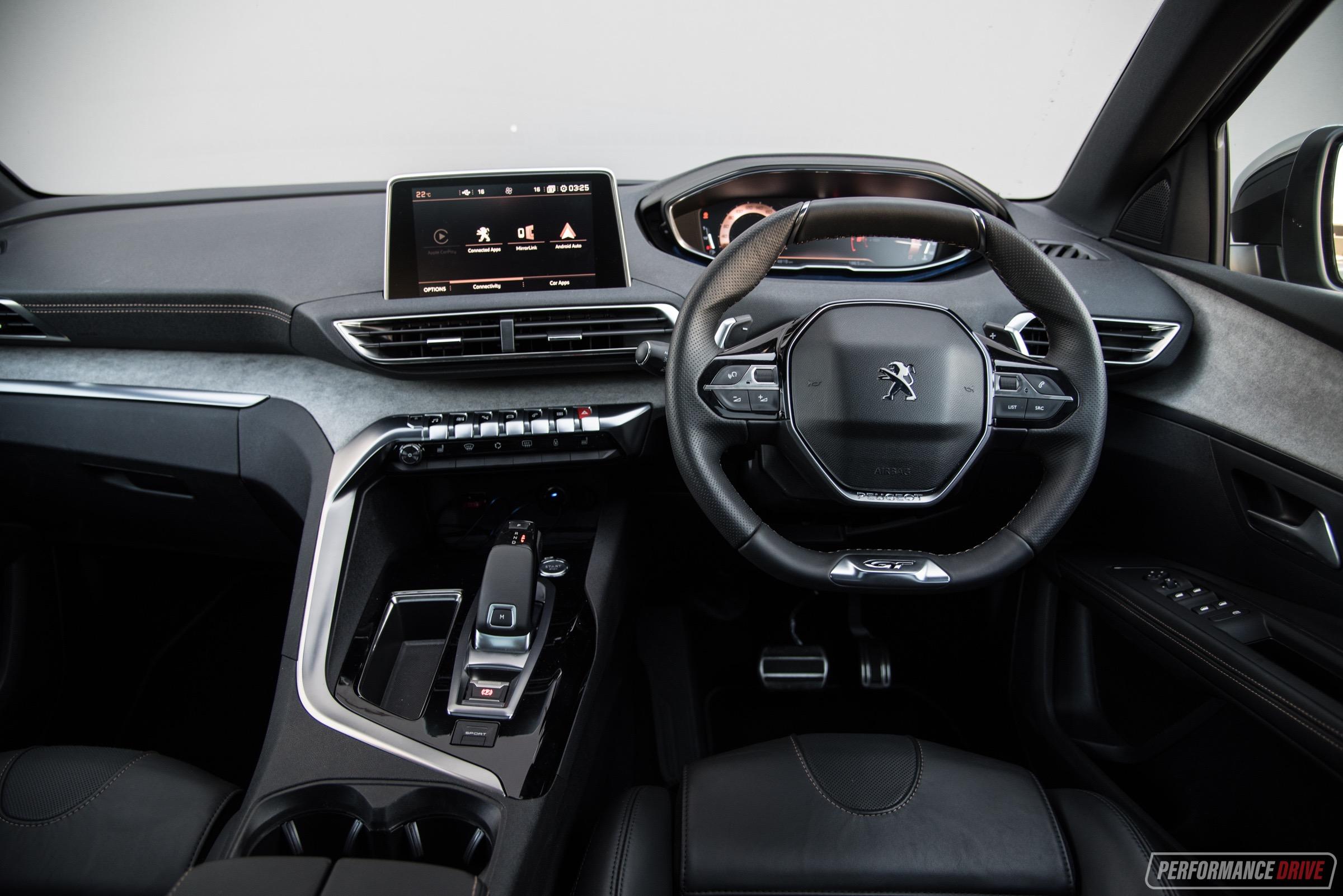 2018 Peugeot 5008 GT-interior  