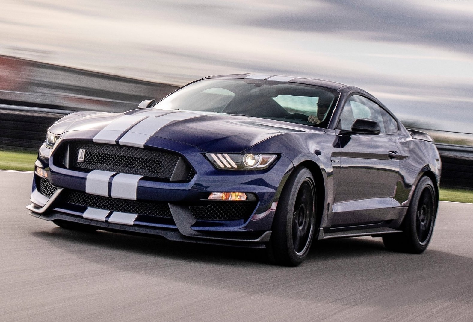 2019 ford mustang gt350 revealed performancedrive. Black Bedroom Furniture Sets. Home Design Ideas
