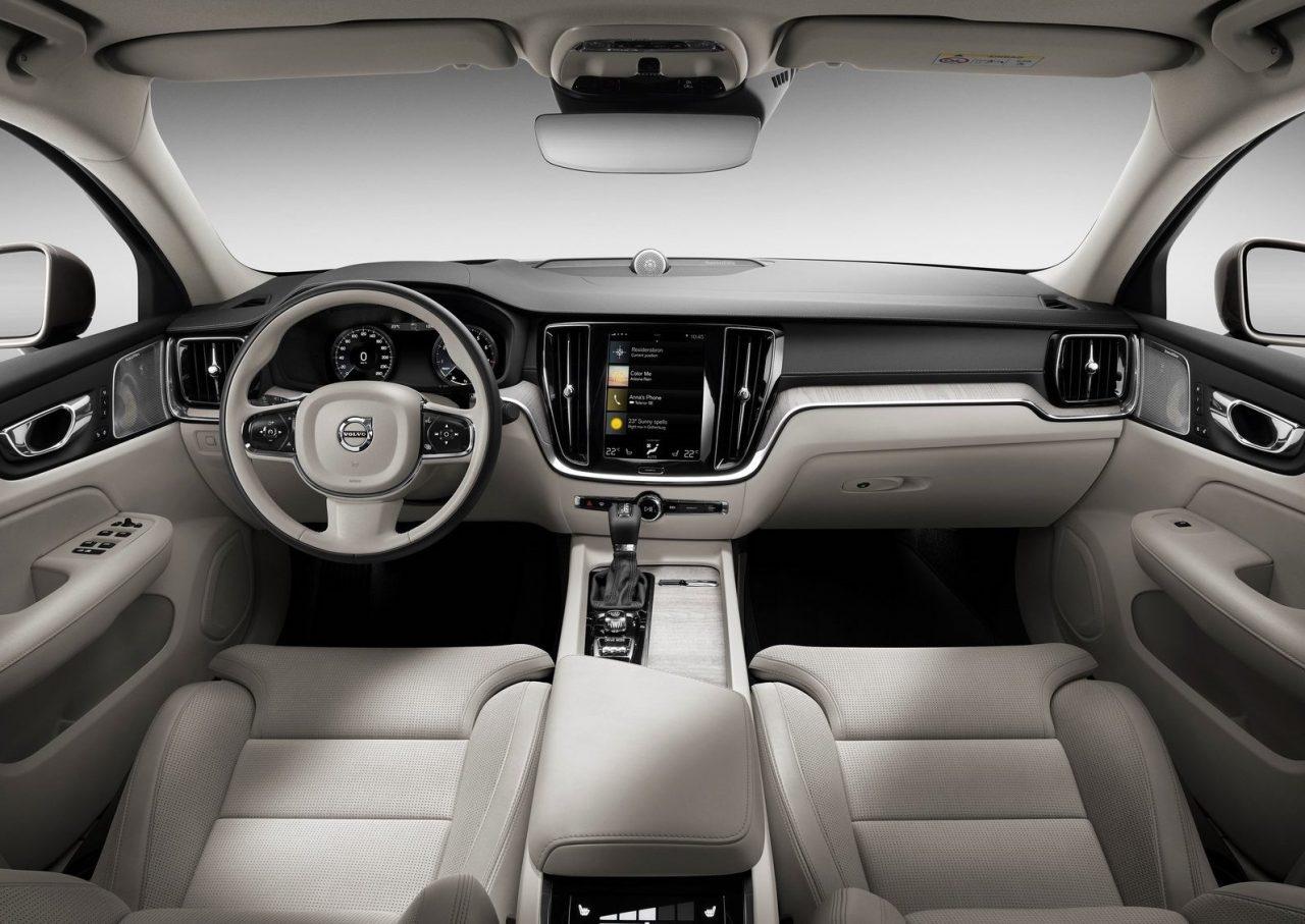 Volvo V 60 2019 >> 2019 Volvo S60 revealed, topped by T8 Polestar Engineered | PerformanceDrive