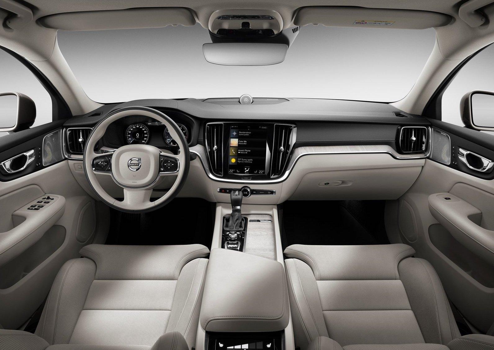 2019 Volvo S60-interior |