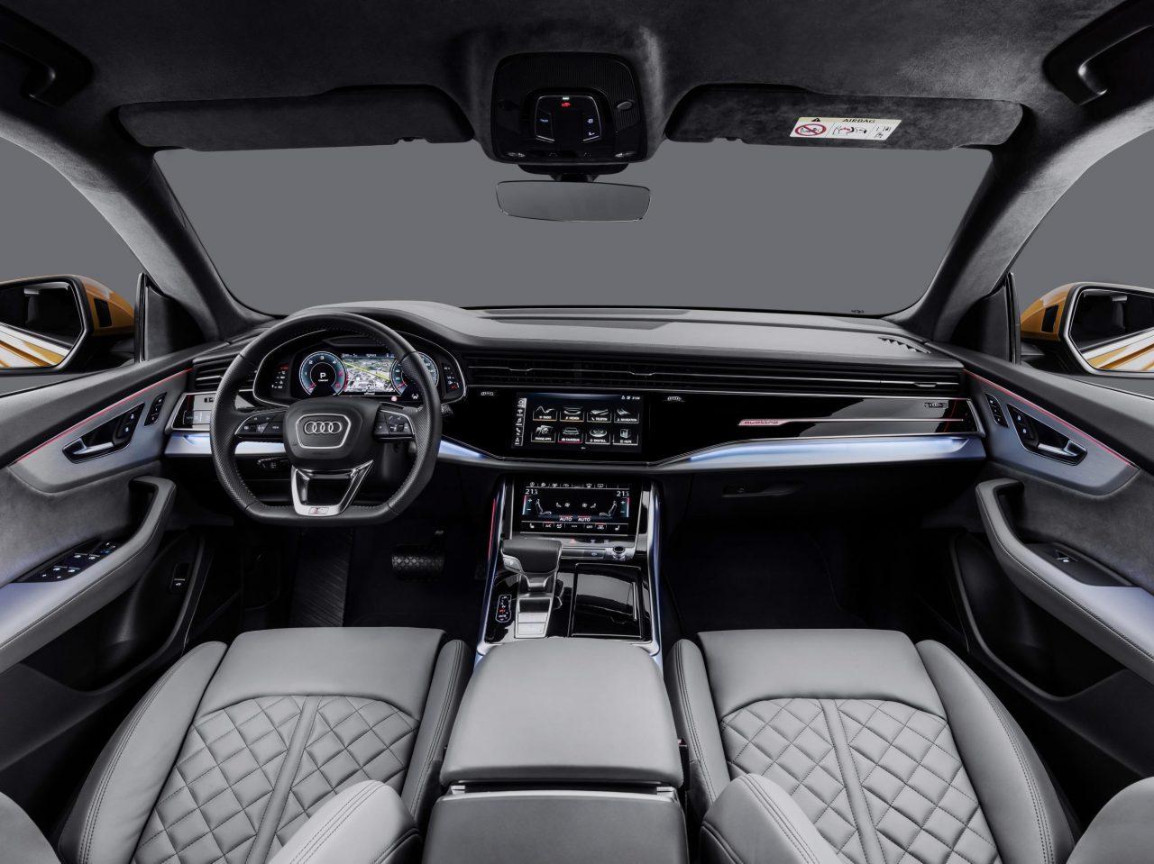 Audi Q8-interior