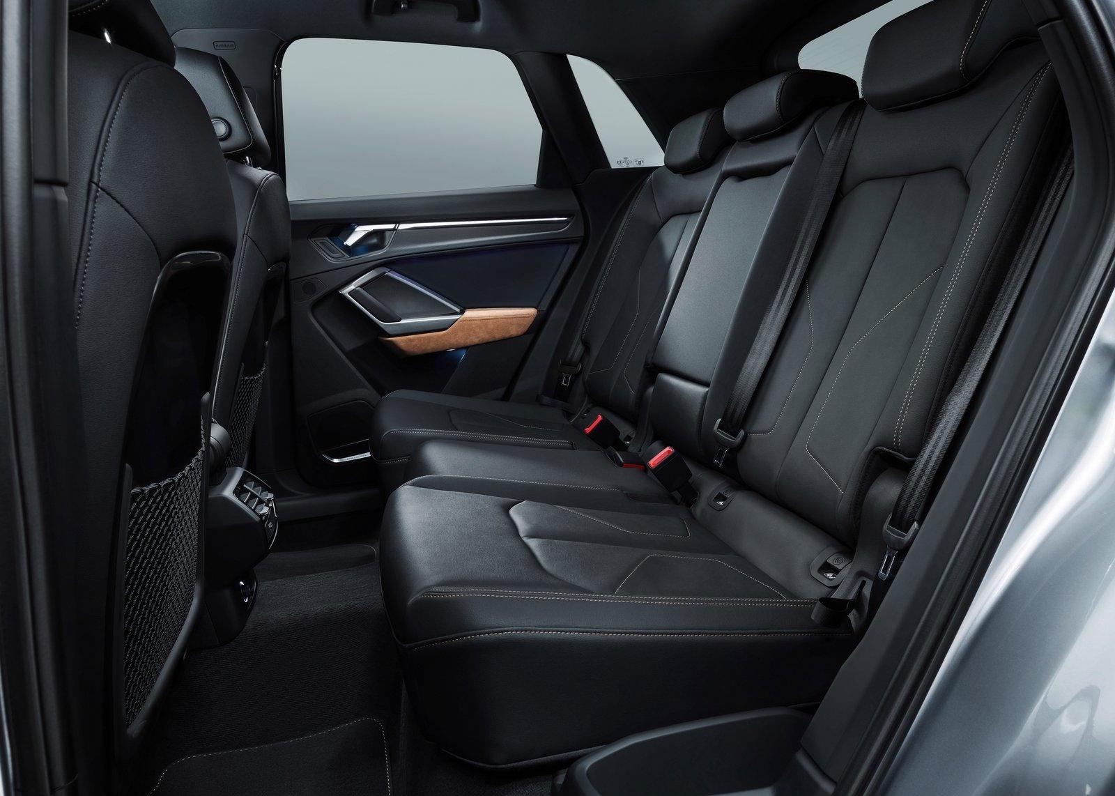 2019 Audi Q3-rear seats