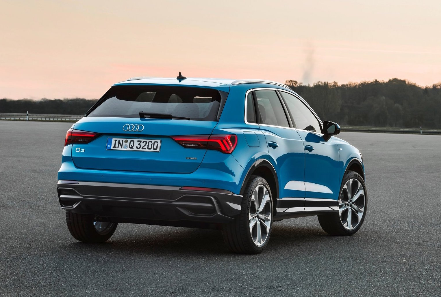 2019 audi q3 officially revealed performancedrive. Black Bedroom Furniture Sets. Home Design Ideas