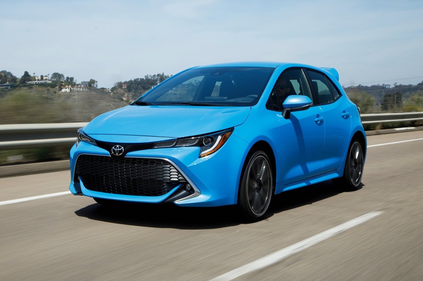 2019 toyota corolla gets adaptive cruise control aeb as. Black Bedroom Furniture Sets. Home Design Ideas