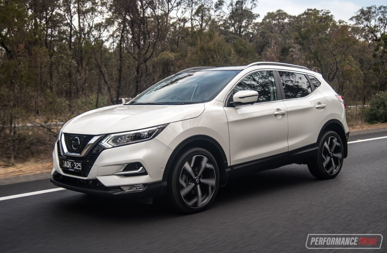2018 nissan qashqai review n tec st l video. Black Bedroom Furniture Sets. Home Design Ideas