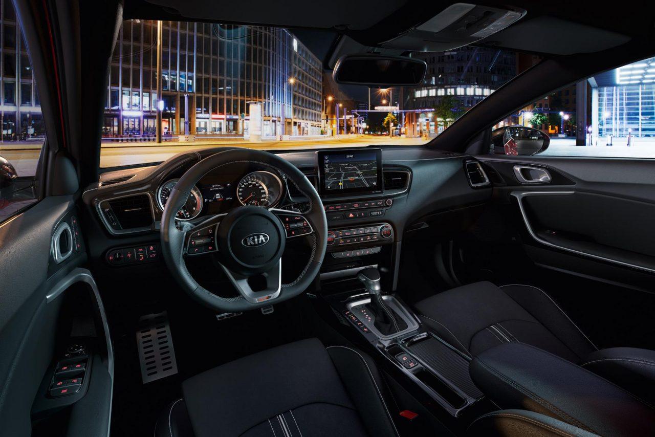 2018 Toyota Corolla Inside >> 2019 Kia ProCeed revealed, becomes elegant shooting brake   PerformanceDrive